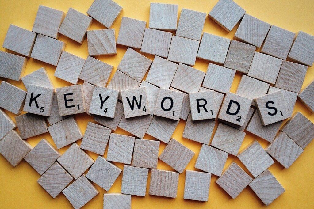 Les astuces pour référencer les bons mots clés